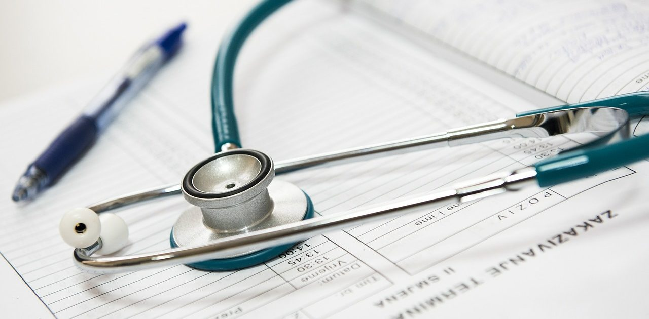 Bei erektiler Dysfunktion sollten Männer immer erst eine medizinische Behandlung in Betracht ziehen – oder natürliche Nahrungsergänzungsmittel.